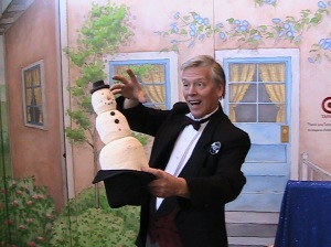 MN Children Museum hosts a fun magic show with Mr. Norm.